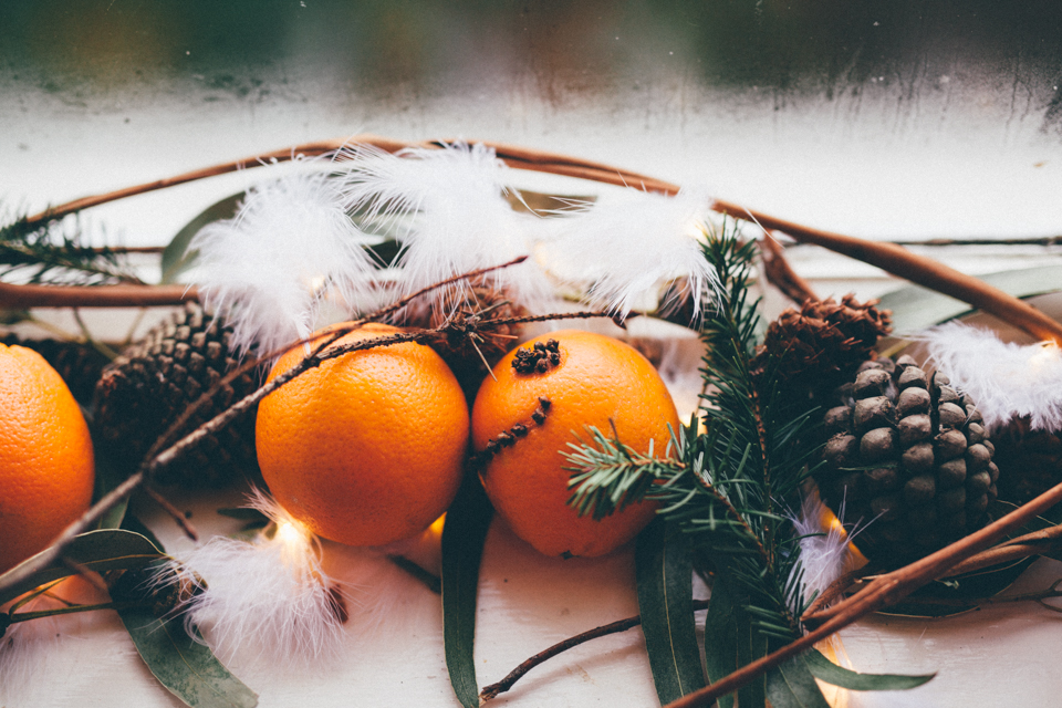 Clove-studded oranges | nathalie.ie