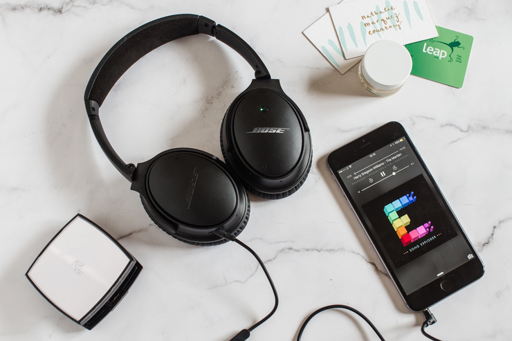 Bose Quiet Comfort 25 headphones | nathalie.ie