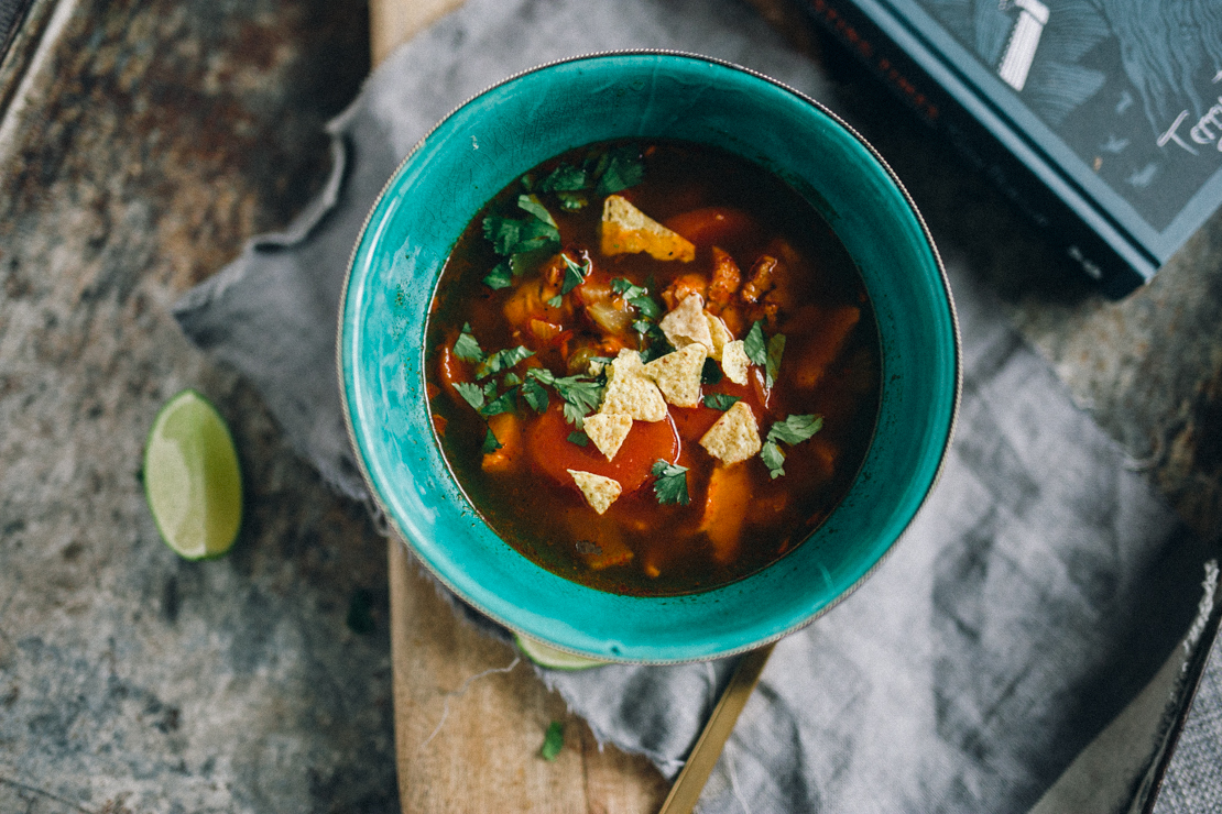 Mexican Soup with Chicken and Lime